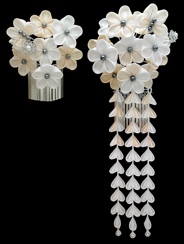 K 32 03 Ivory And White Flowers Kanzashi
