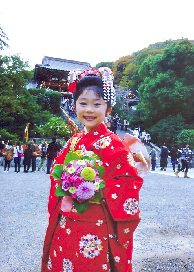 七五三 摩耶の花かんざし k-03-01,花櫛(桜仕様),房紐赤ラメ