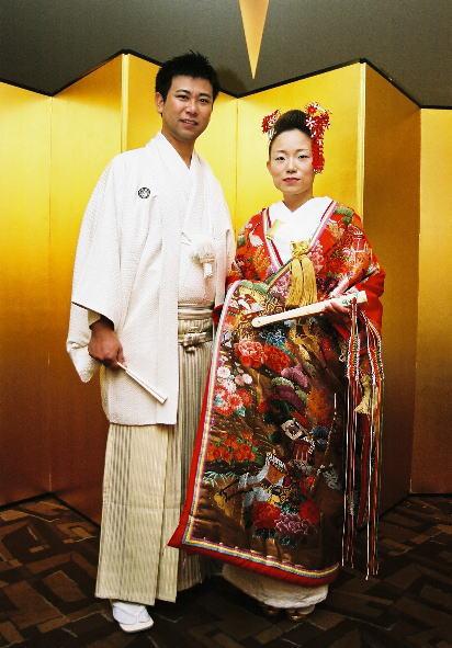 happy wedding red kanzashi